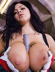 Shione Cooper covers her boobs and sexy body in...