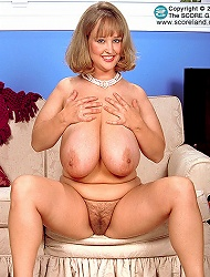 Busty British blonde BBW teri fox shows off her...